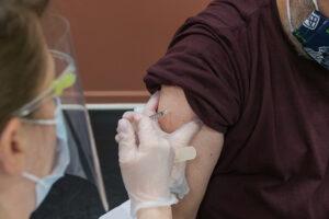 Forståelig frustration over færre vacciner mod COVID-19